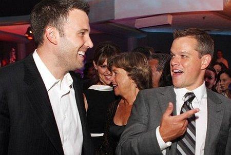 Matt Damon y Ben Affleck intercambian a sus mujeres