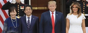Melania Trump celebra su cumpleaños con un precioso vestido blanco y zapatos de purpurina durante la visita del Primer Ministro japonés