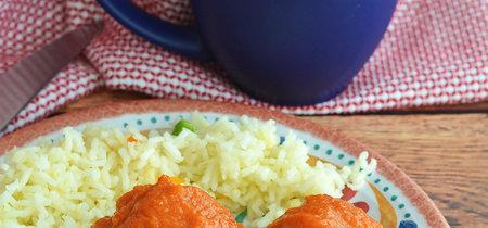 Albóndigas de pollo en salsa de chile chipotle. Receta mexicana