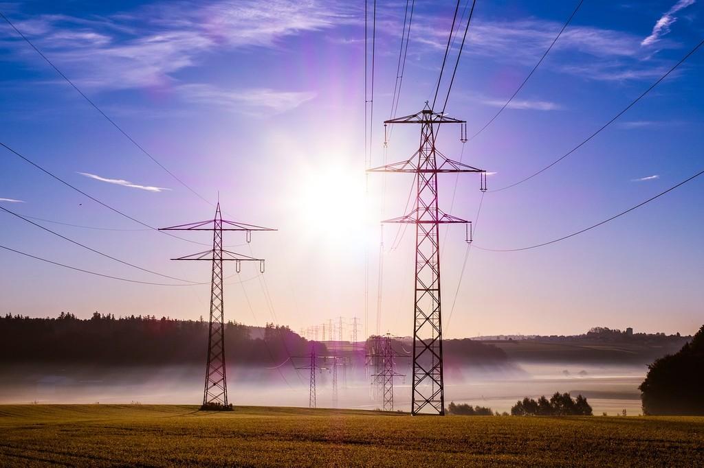 Cómo funciona el mercado eléctrico y por qué, a pesar de que el precio a veces llegue a cero, apenas va a repercutir en nuestra factura