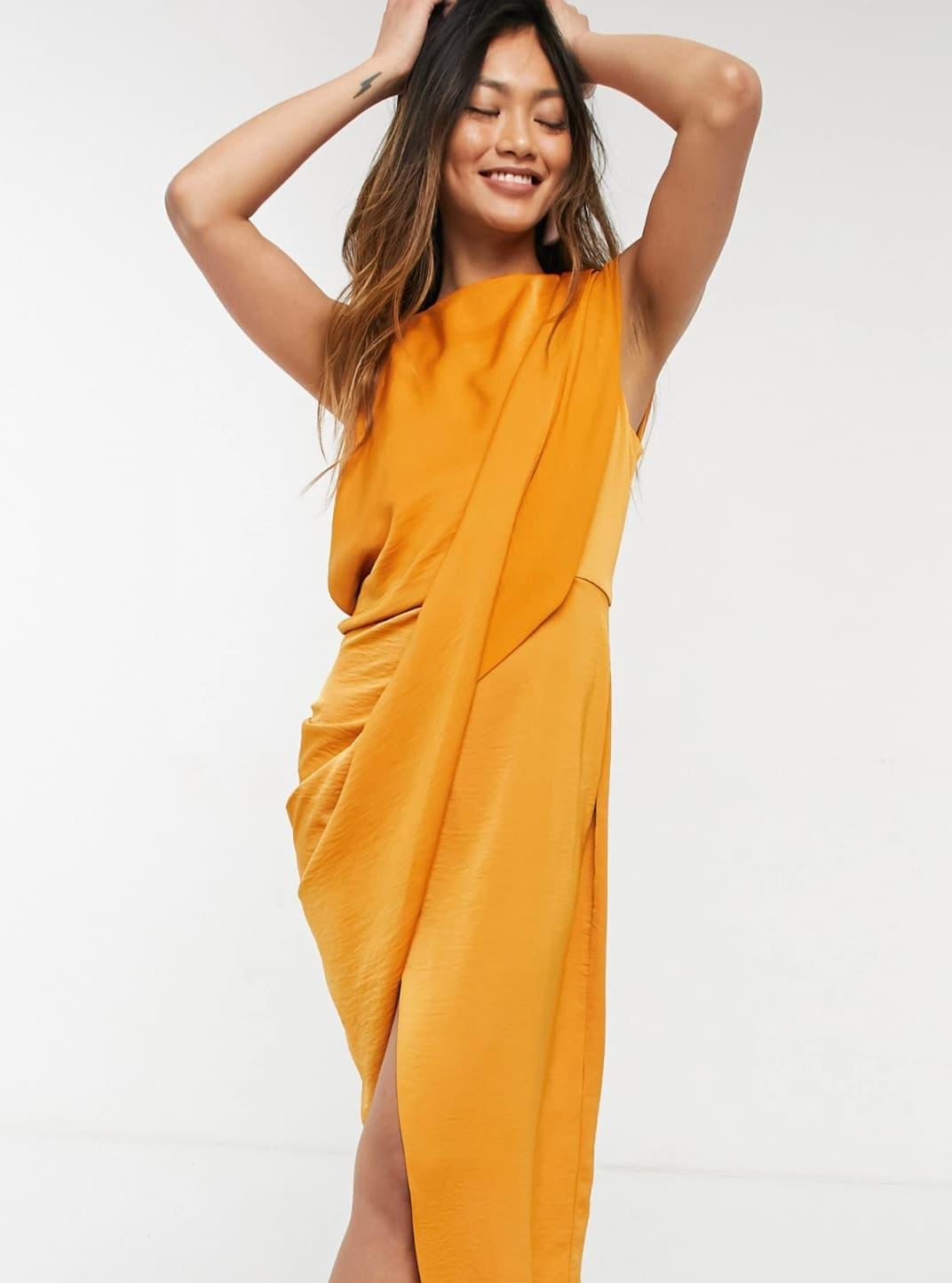 Vestido midi con corpiño drapeado y acabado texturizado suave de crepé de ASOS DESIGN