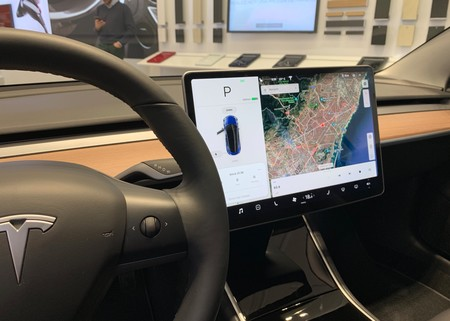 Tesla Model 3 Cabina 2
