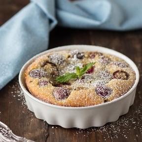 Receta de clafoutis de cerezas: un clásico de la repostería francesa que siempre triunfa