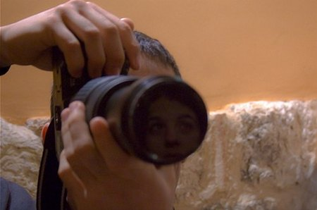 No debes espiar a tus clientas con cámara oculta