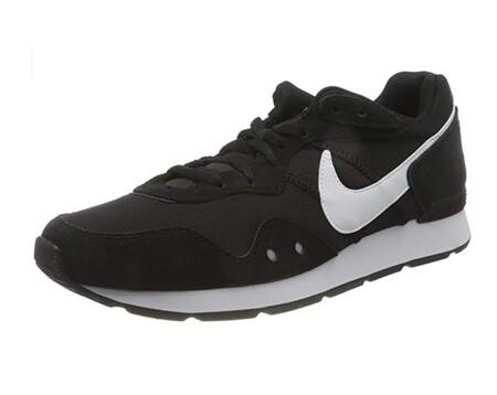 Las zapatillas de estilo running Nike Venture Runner son las más vendidas de Amazon, con un precio de 42,80 euros