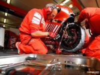 Ducati ya ha probado en Mugello la Desmosedici de 2009