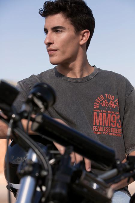 Marc Marquez Y Su Nueva Colaboracion Con Pull Bear Retoman La Adrenalina Del Estilo Deportivo