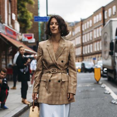 15 faldas largas para elevar tu look de oficina a otro nivel este otoño-invierno 2020/2021