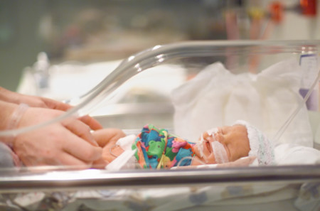 Siete sentimientos normales si eres madre o padre de un bebé prematuro