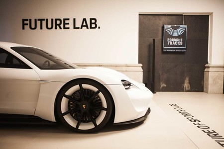 El evento Porsche Tracks de Madrid, realidad virtual y aumentada para vivir el futuro de los coches deportivos