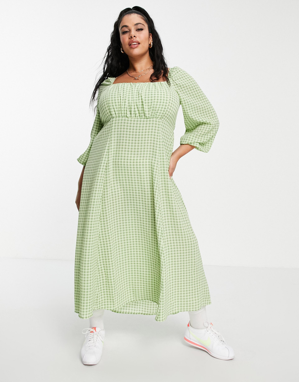 Vestido midi a cuadros vichy verdes con cuello cuadrado fruncido