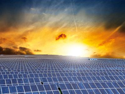 El precio de la energía solar cae al 50% en un año (y ya es más barata que el carbón)
