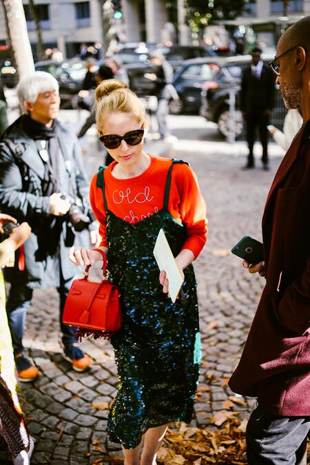 Paris Fashion Week Street Style Day 6 Man Repeller October 2017 O02a9455en l o para ser la invitada más llamativa a oficina