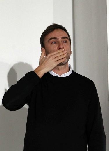El diseñador Raf Simons será el sustituto de John Galliano al frente de Dior