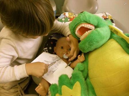 """""""Durante el embarazo es importante dejar la boca preparada para recibir al bebé"""". Entrevista a Manuella Surette, especialista en Odontología materno-infantil"""