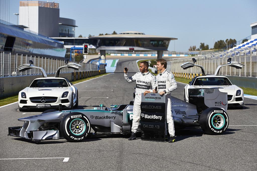 Mercedes AMG F1 W04