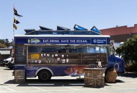 Acuario presenta un food truck de pesca sostenible para crear conciencia ambiental