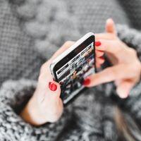 Tres de cada 10 usuarios con internet fijo en México revisan sus redes sociales cada 10 o 30 minutos durante el día: IFT