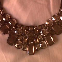 Foto 17 de 19 de la galería decora-tu-cuello-con-los-collares-babero-1 en Trendencias