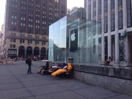 Ya hay cola para comprar el iPhone 6 en la Apple Store de la Quinta Avenida