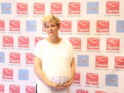 """No soy menos/peor madre por haber dado a luz por cesárea"", Tania Llasera responde a las críticas de algunas seguidoras"