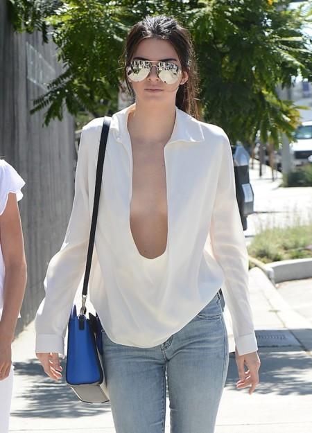 ¡Hasta el infinito y más allá! No sabrás lo que es llevar escotazo hasta que no veas el de Kendall Jenner