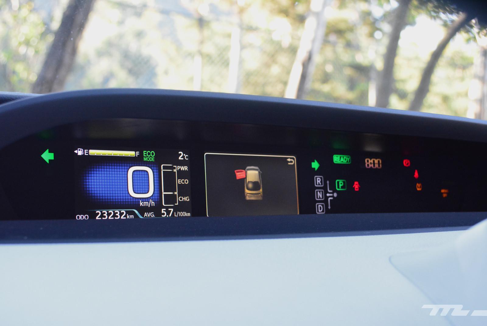 Foto de Hyundai Ioniq vs. Toyota Prius (13/22)