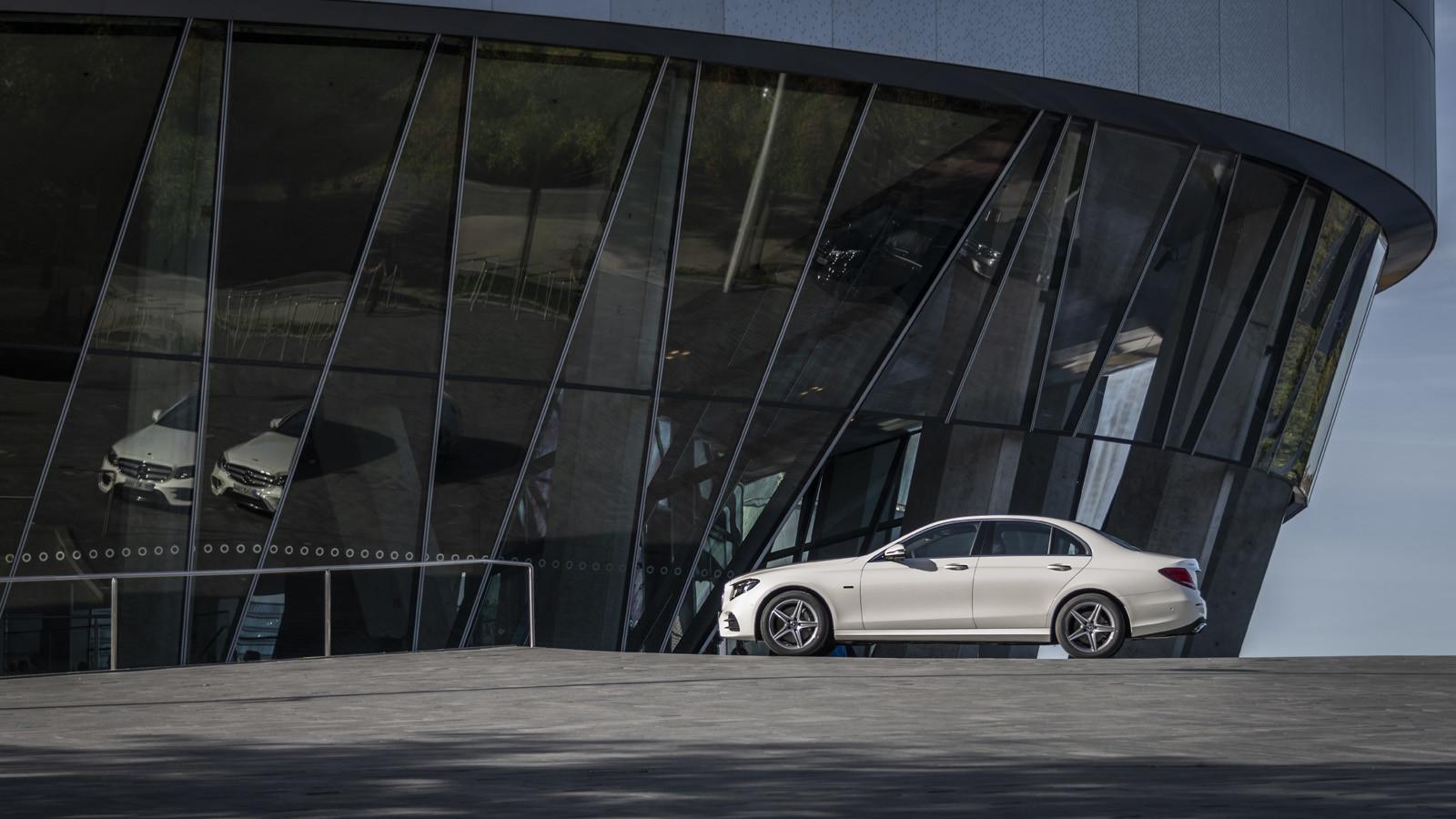 Foto de Mercedes-Benz E 300 de (presentación) (11/47)