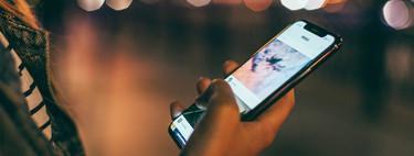 Muchas aplicaciones están ofreciendo modo oscuro, la duda es cuánto ayudan realmente a ahorrar batería y cuidar la vista de noche