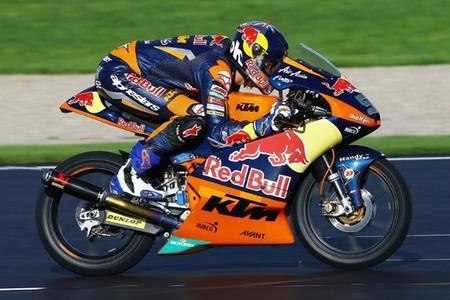 MotoGP Valencia 2012: Danny Kent se lleva la victoria en la larga, lluviosa y entretenida carrera de Moto3