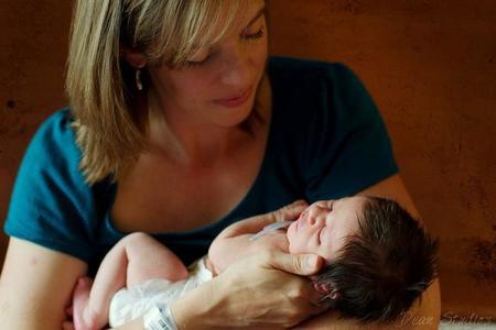Cinco consejos para ayudar a una mamá reciente