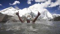 Nadando en el Himalaya