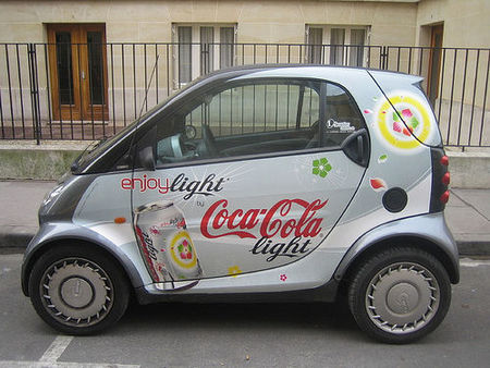 Gana un dinero extra poniendo publicidad en tu coche