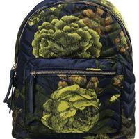 Por sólo 11,20 euros podemos hacernos con esta  mochila Plain Fabric en azul de la marca Parfois en Zalando