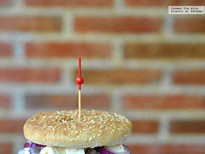 Hamburguesa de falafel casera. Receta vegetariana