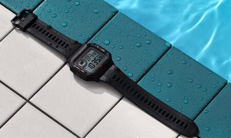 Regalar un reloj deportivo con prestaciones inteligentes como el Amazfit Neo sale muy barato: MediaMarkt lo tiene por sólo 29,90 euros