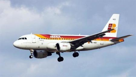 Iberia podría cobrar por facturar maletas