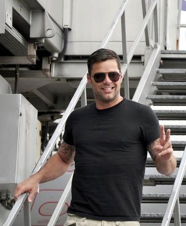 OMG! Ricky Martin con la iglesia se ha topado
