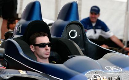 Simon Pagenaud será piloto reserva de Peugeot