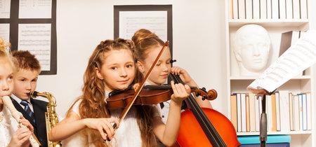 Mi hijo quiere aprender a tocar un instrumento, ¿qué debo tener en cuenta?