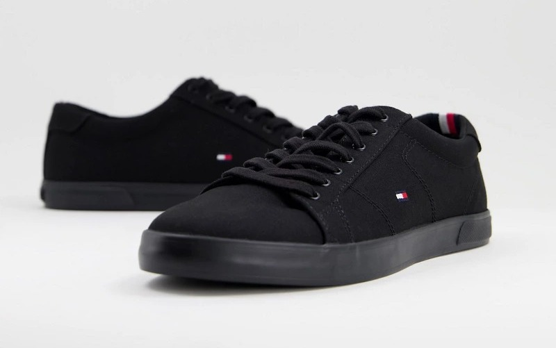 Zapatillas negras de lona Harlow de Tommy Hilfiger