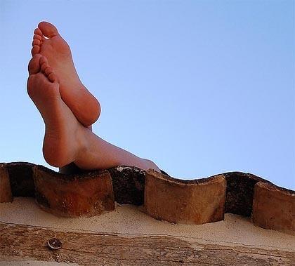 Cuida tus pies en Semana Santa