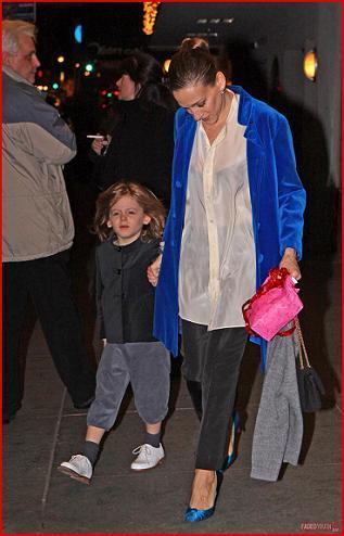 Carta a los Reyes Magos: quiero el abrigo de terciopelo azul de Sarah Jessica Parker