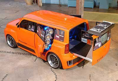 Scion xB, el coche del botellón