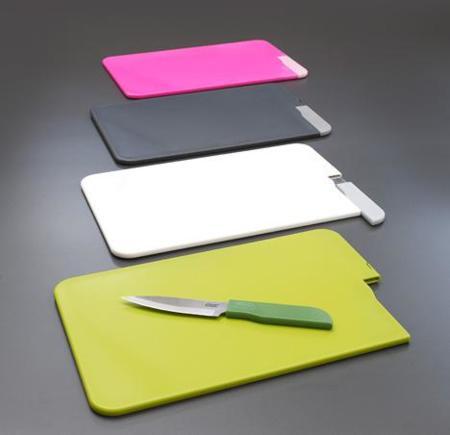 Slice&Store, tabla de cortar con cuchillo incorporado
