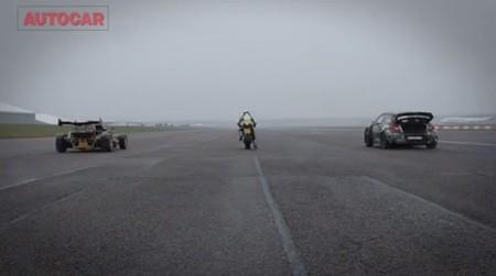 BMW HP4 contra Ariel Atom V8 contra Citroen DS3 de rallycross