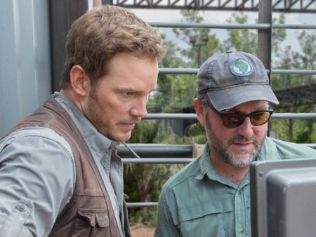 Colin Trevorrow y Chris Pratt durante el rodaje de Jurassic World