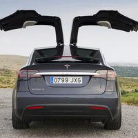 Noruega planea eliminar las ayudas a los eléctricos, o al menos a los más lujosos: 'Tasa Tesla' a la vista