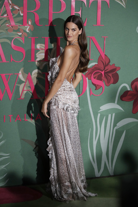 Izabel Goulart green carpet fashion awards 2019