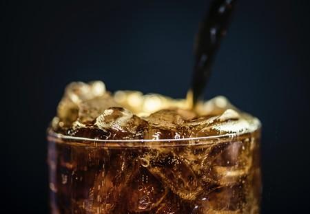 Estos investigadores encuentran una nueva relación entre el consumo de bebidas azucaradas y zumos de frutas y el riesgo de padecer cáncer